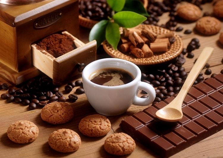 Горячий шоколад из плитки