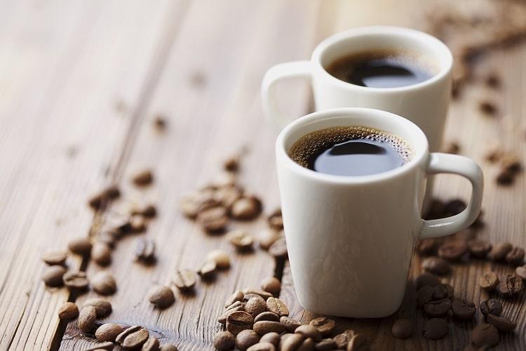 Готовый кофе в чашке