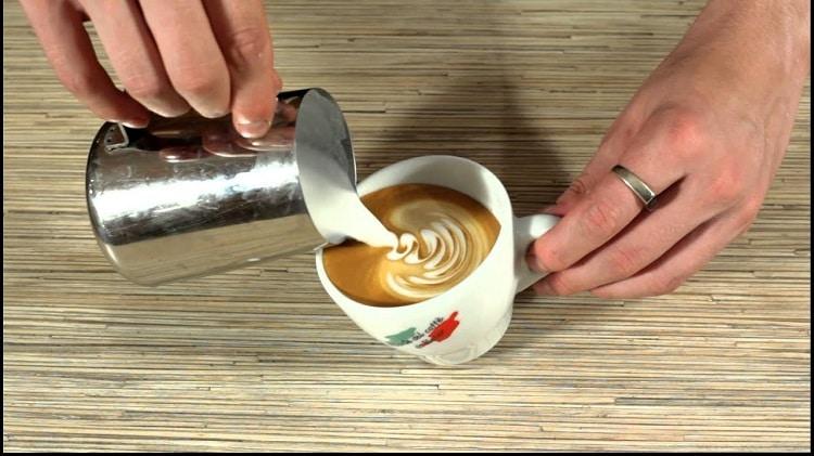 Рисование на кофе
