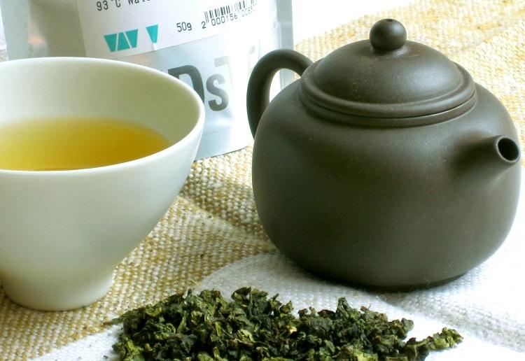 Заваренный чай тигуанинь