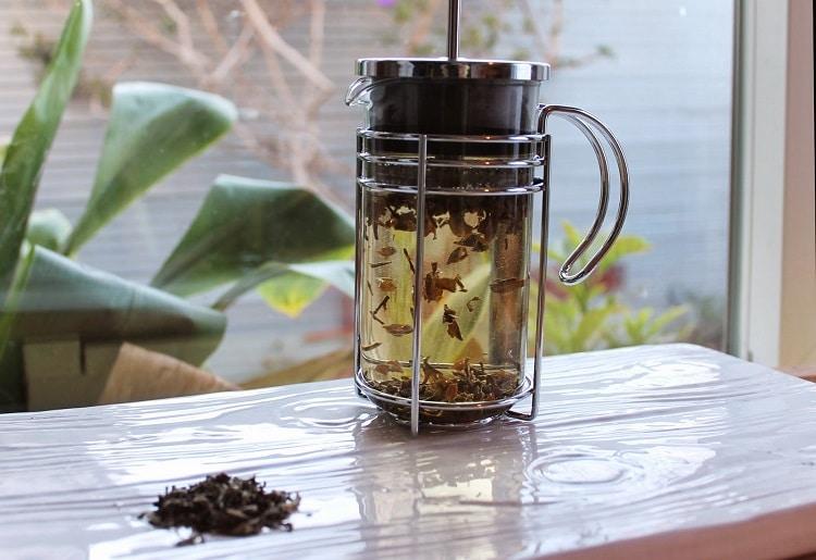 Чай во френч-прессе