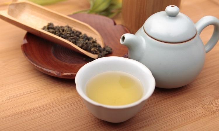 Заваренный молочный чай