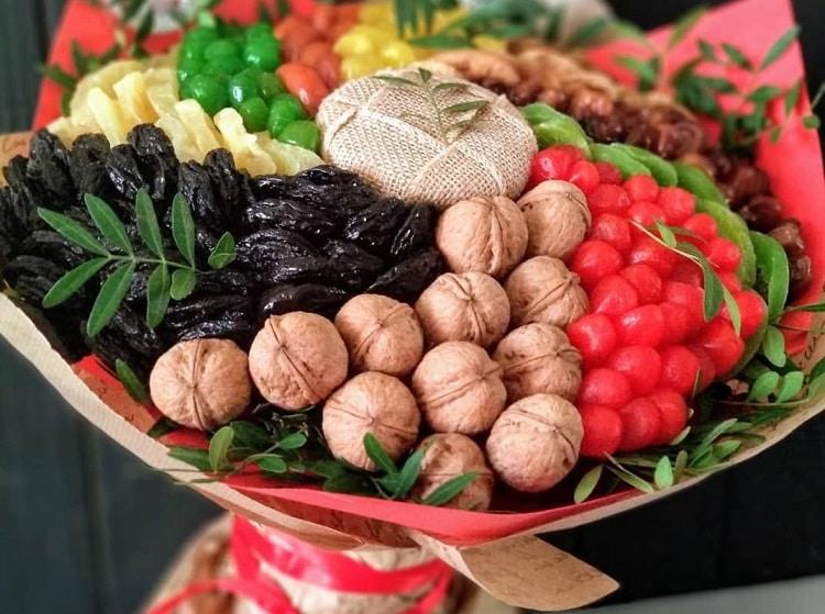 Букеты из орехов и сухофруктов своими руками